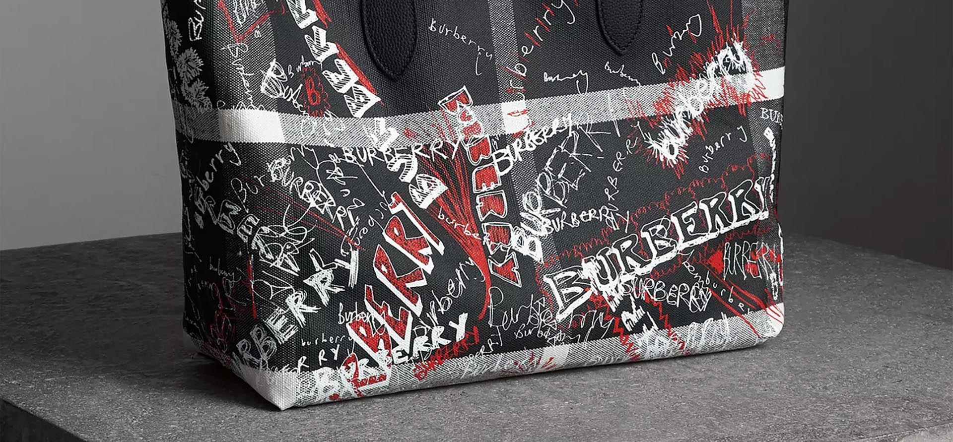 burberry doodle glasses banner